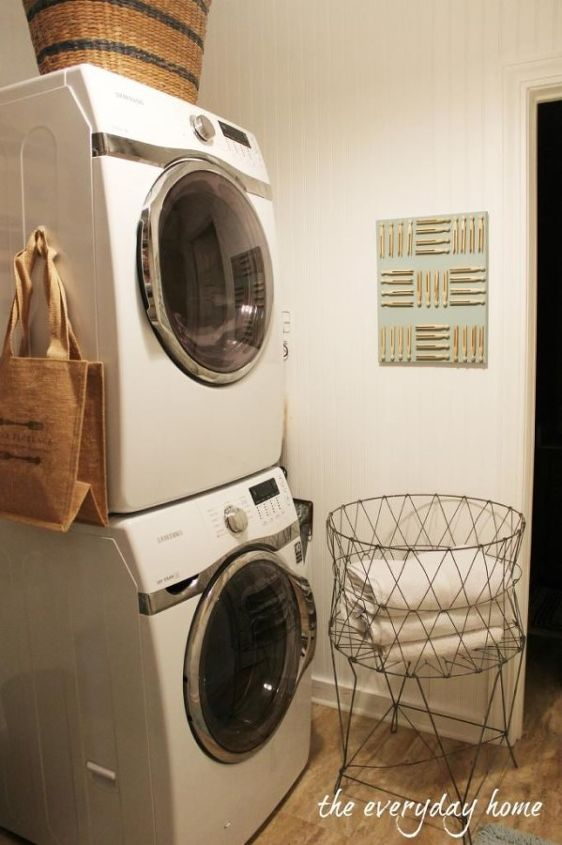 Barb from The Everyday Home recently updated her laundry room and shared 8 tips that helped her through the process: http://hmt.lk/17KTJdD