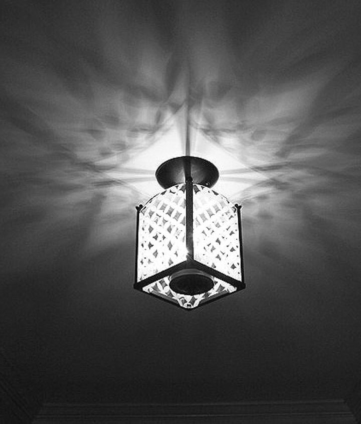Beautiful patterns of light on the ceiling.