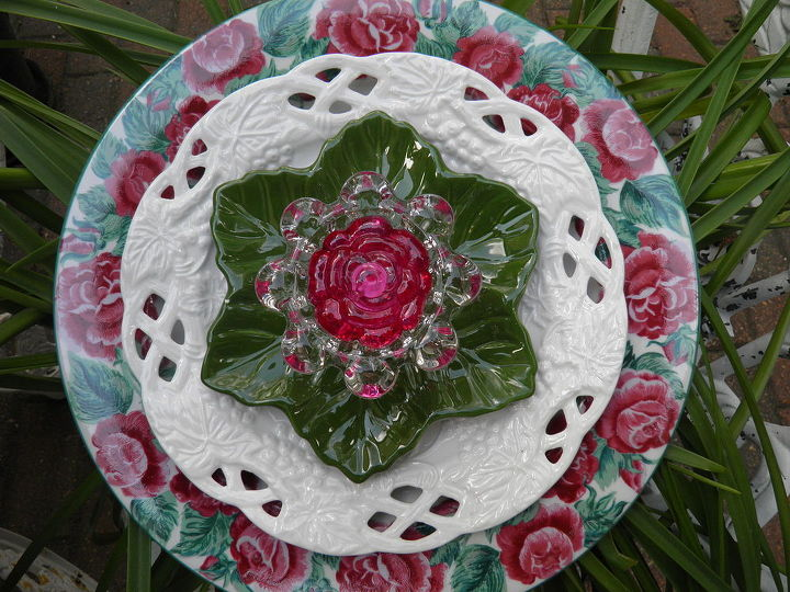 Love these lacy white plates. Hope I can find more!