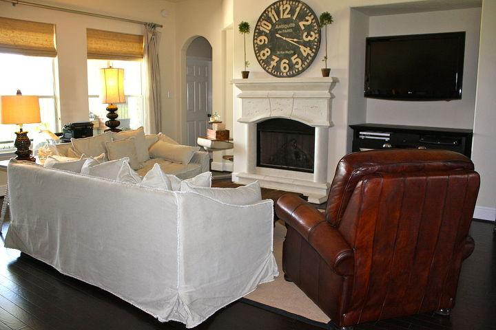 Looking toward the tv & fireplace...