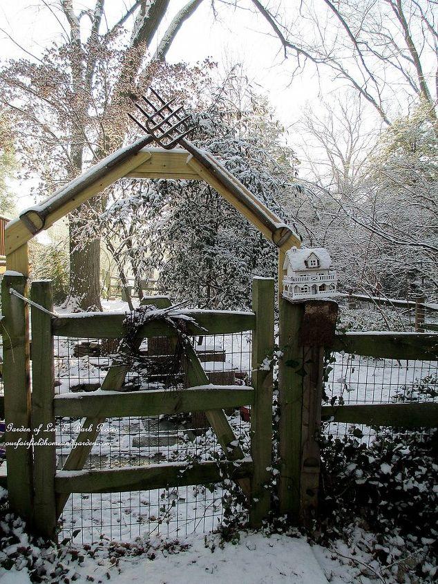 back pitchfork gate