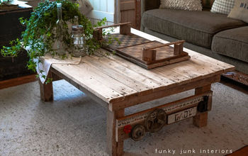 A Junk Styled Pallet Wood Coffee Table ANYONE Can Make