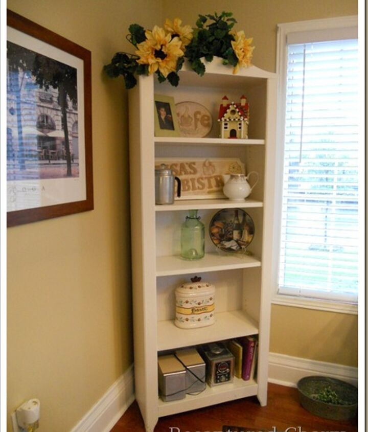 Ever look at a before picture with complete embarrassment ?  yup!  I just kept shoving stuff in that bookshelf that I really didn't have any other spot  for.