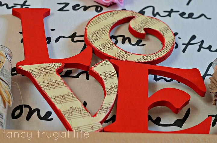 my valentine s day mantel, seasonal holiday d cor, valentines day ideas, wreaths