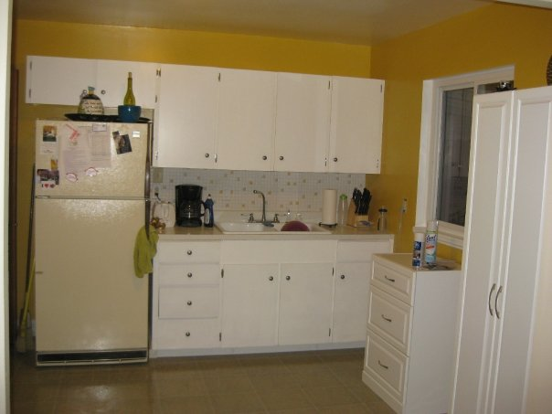 q what would you do to this kitchen, doors, home decor, kitchen backsplash, kitchen design, B4 Looking straight into kitchen