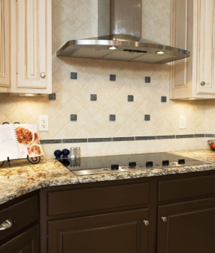 q would you like two different cabinet colors in your kitchen, home decor, kitchen design, kitchen island, painting