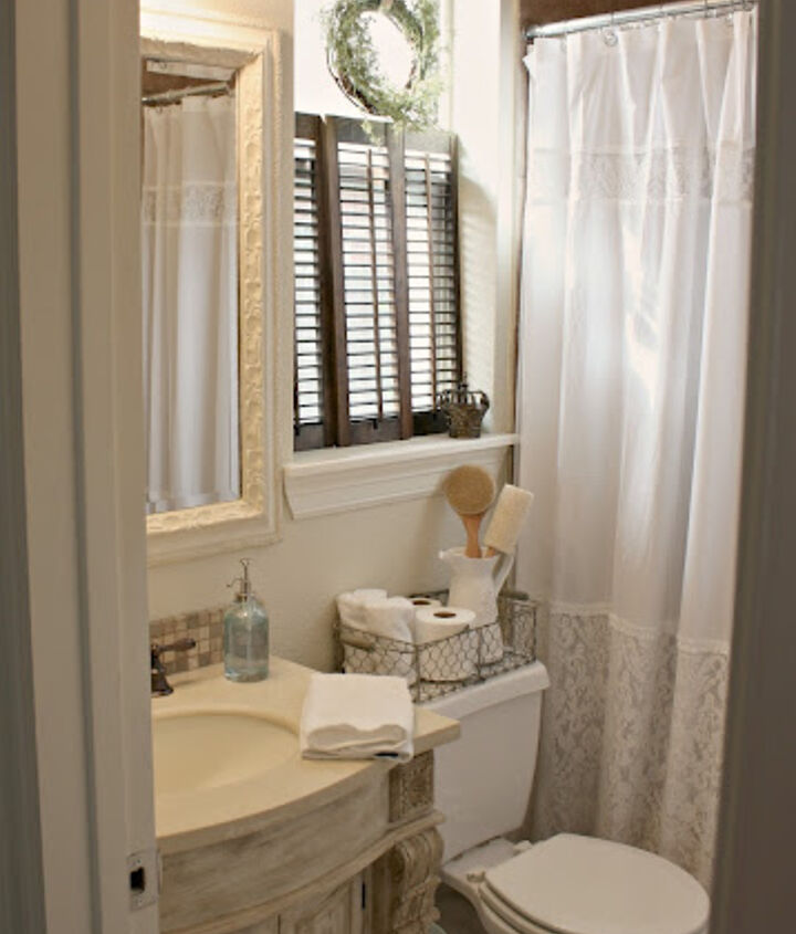 Bright and airy small guest bath.