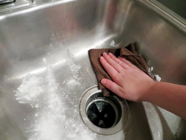 Scrub with baking soda