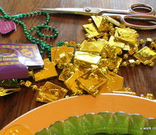 diy mardi gras plate chargers, crafts, Dollar Tree supplies