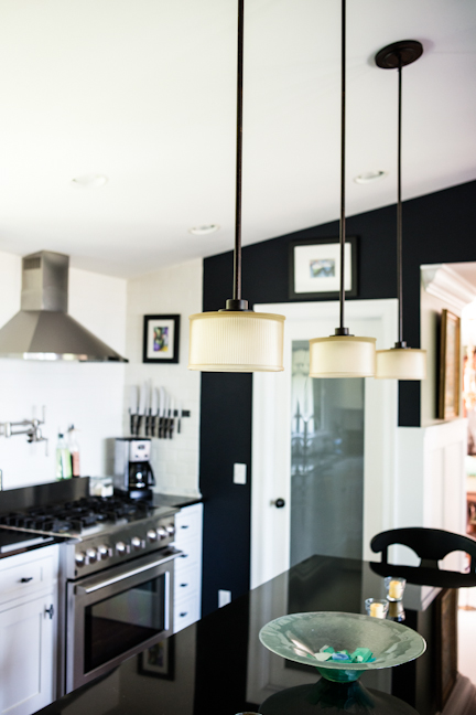 dark gorgeous kitchen, home decor, kitchen design