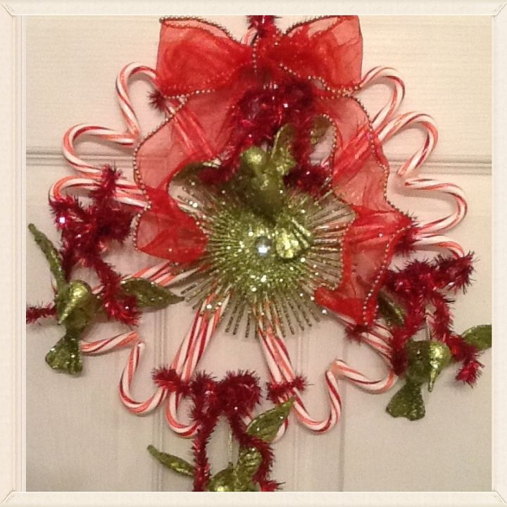 candycane wreath, christmas decorations, crafts, seasonal holiday decor, wreaths