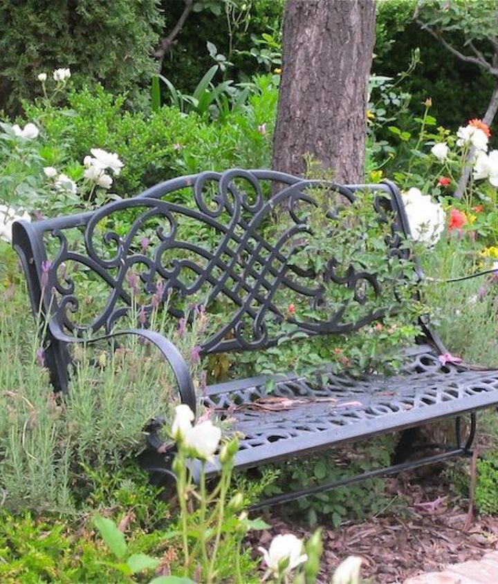 A great place to rest after a long day in the garden www.mysoulfulhome.com