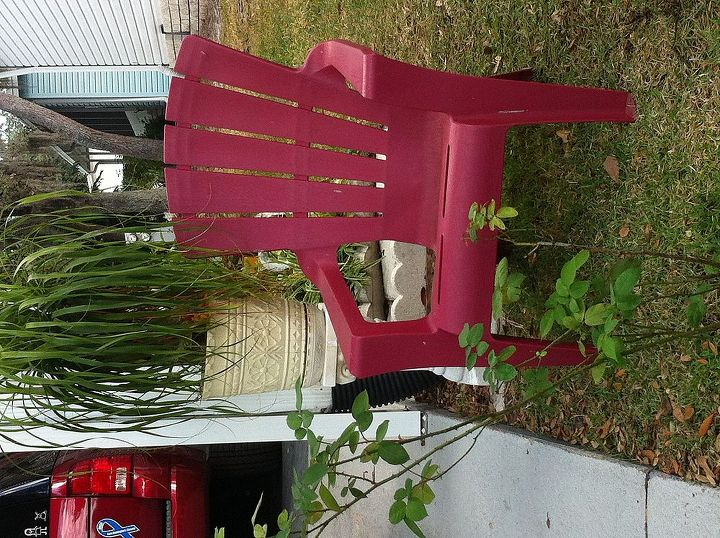 q i have a red adirondack chair outside i d like to use for christmas any suggestions, painted furniture