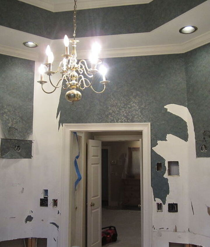 The walls had been somewhat primed and the paper stippable.
