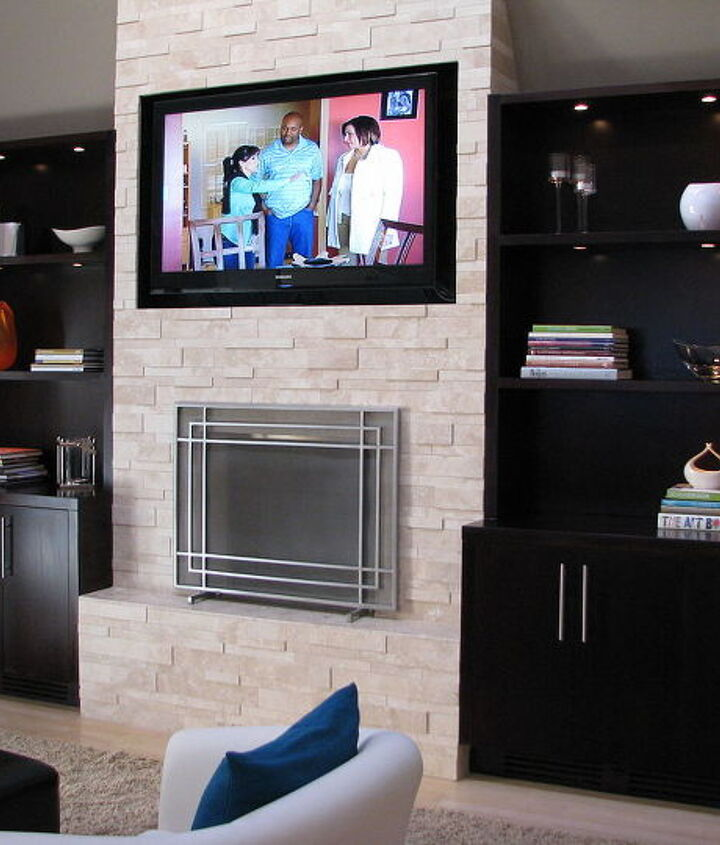 You can see that Lisa LaPorta from HGTV is right at home on our new built in TV.