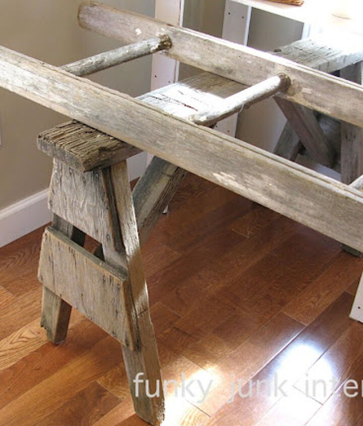 The build consisted of two old sawhorses boun