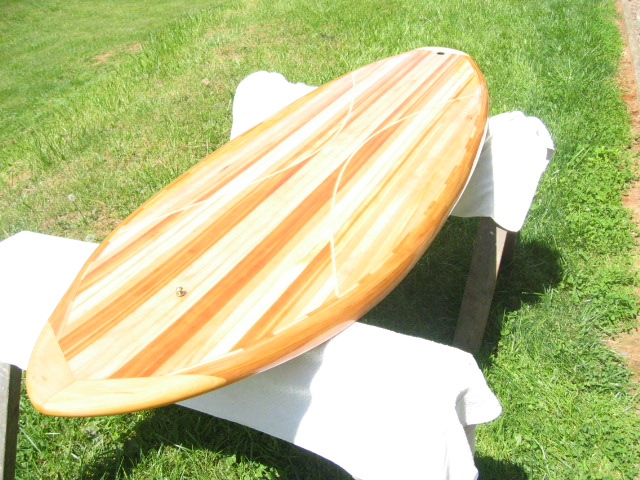 "6'8"" board  Built for speed and manuverability (sp)  Weighs in at 15 lbs"