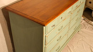 q here s a table i got free from a cl posting it had icky slicky black paint, painted furniture