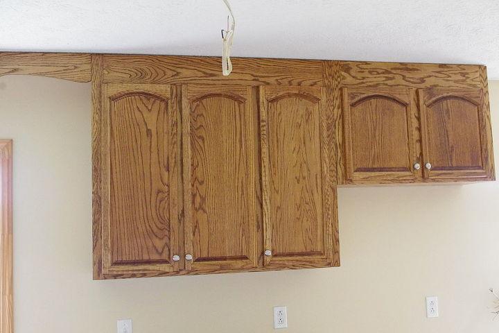 Wall cabinets at refrigerator