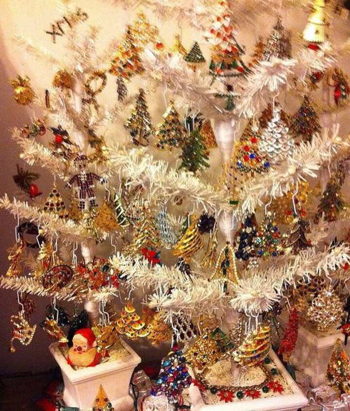what to do with all those christmas pins decorate a tree of course, christmas decorations, seasonal holiday decor