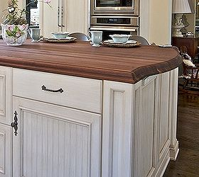 Superbe Outlet Strip   Look Carefully, Lucky Here   It Matches The Finish Of The  Cabinets