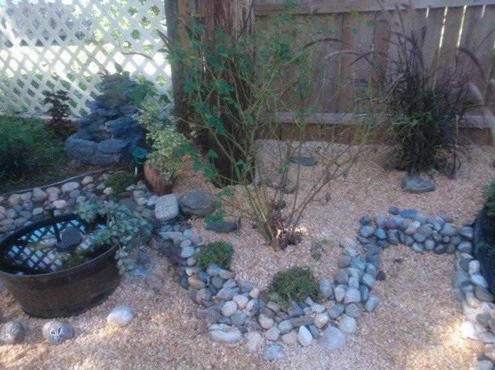 mini rock garden, gardening, I m just continuing the rock border