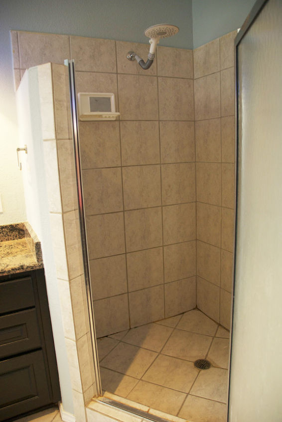 Shower (before)
