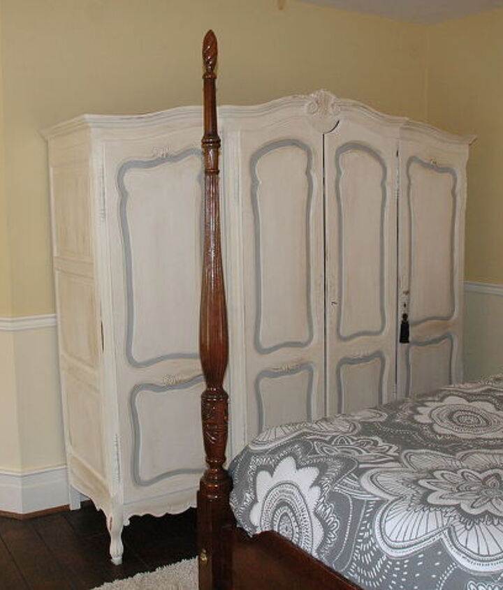 teen s bedroom in an historic house without a closet, bedroom ideas, chalk paint, home decor, painted furniture