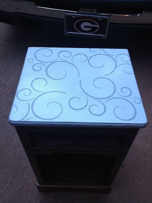 A little paint and a stencil and whoo hoo...so pretty!