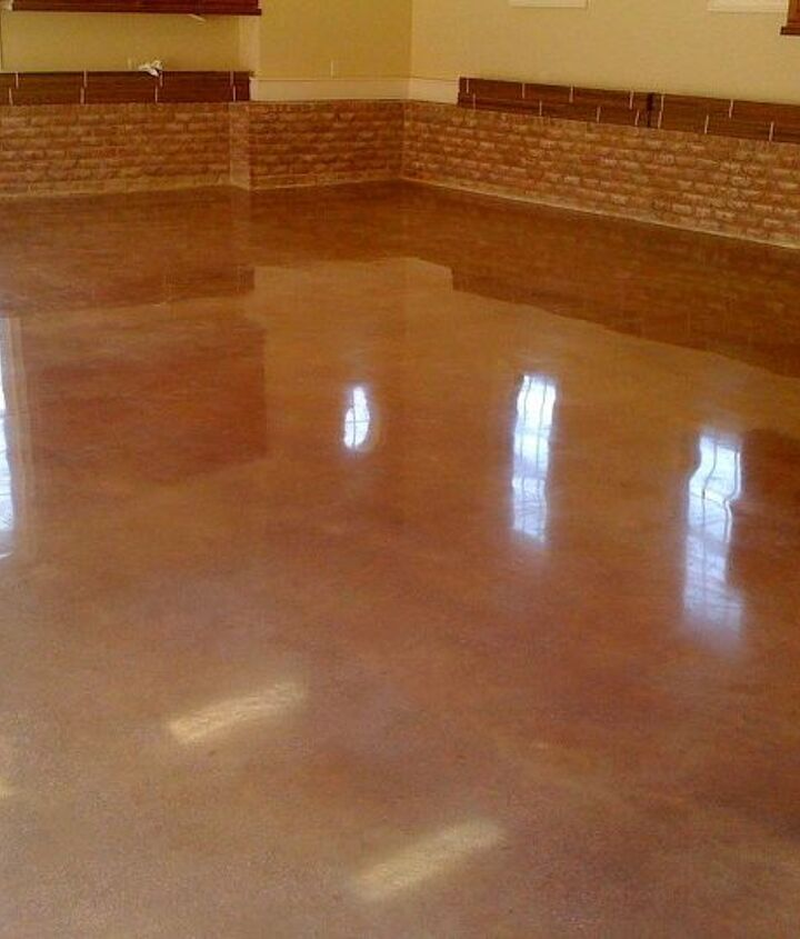 We polished this brand new garage floor.  There were no stains or contaminants on the flooring.