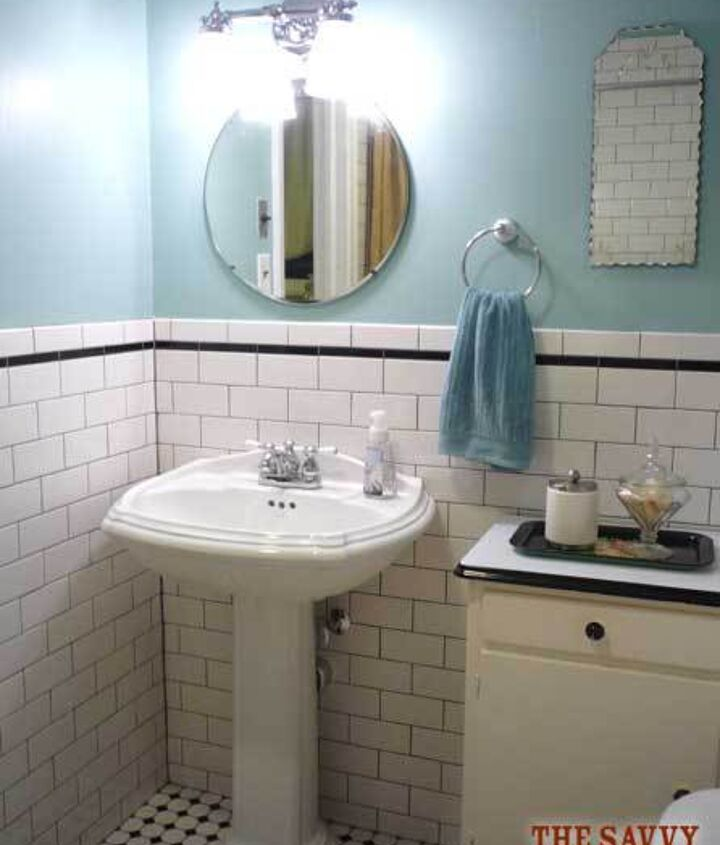 Love the 1920's mirrors with the scalloped edges!