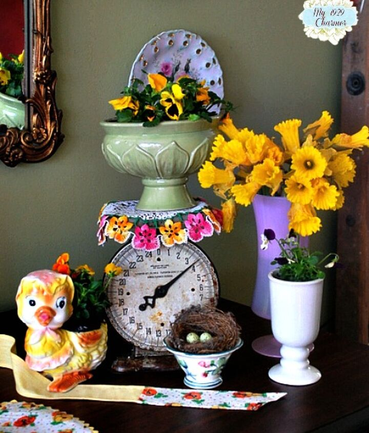 daffodil and pansy spring vignette, living room ideas, seasonal holiday decor