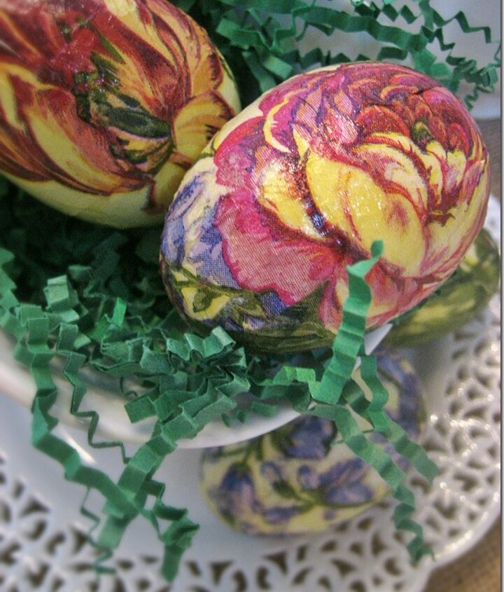 Pretty botanical Easter eggs made from spring paper napkins