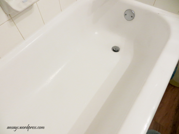 how to remove soap scum with soap, bathroom ideas, cleaning tips