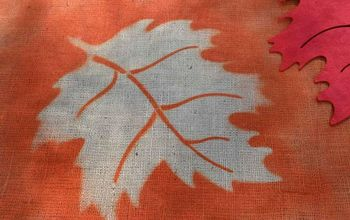 spray paint a pillow, crafts, seasonal holiday decor