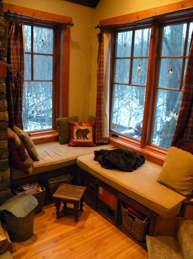 Another charming window seat located in the living room.