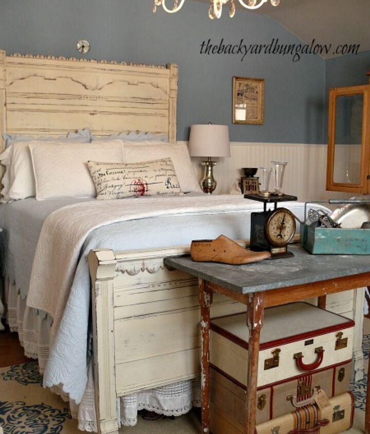 Eastlake bed painted in AS chalk paint.