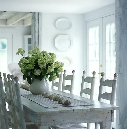 Beautiful Farmhouse style.