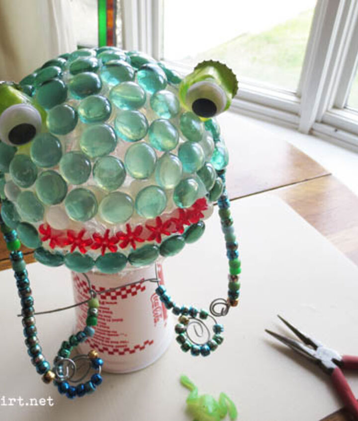 Supplies include wire, beads, and flat-bottom marbles.