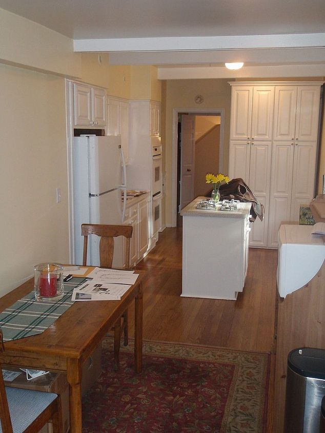 Here's the kitchen before any work started.