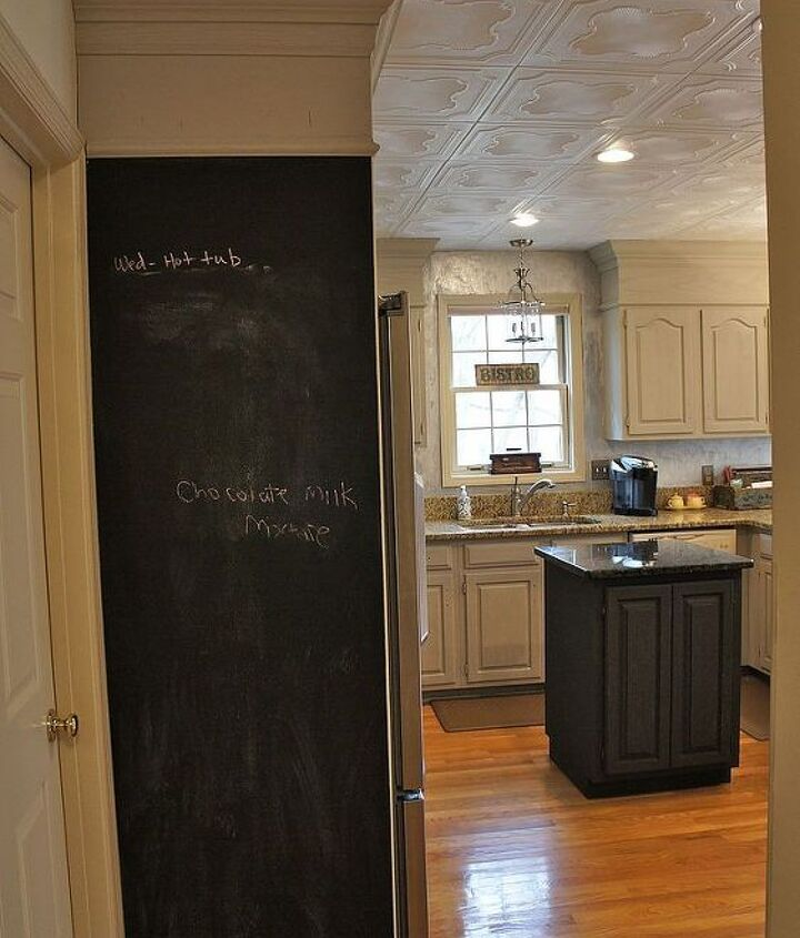 popcorn ceiling makeover low budget big impact, home decor, home maintenance repairs, painting, tiling