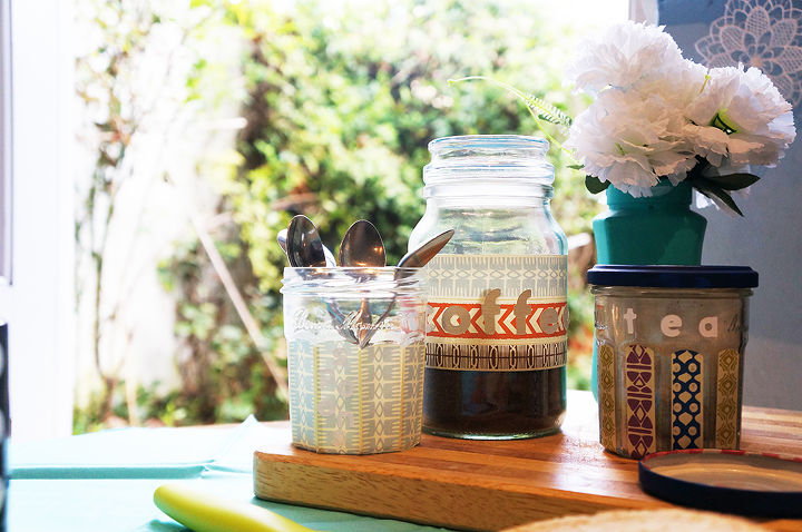 diy kitchen storage containers tutorial, crafts, home decor, kitchen design, repurposing upcycling, A cozy breakfast scene using upcycled jars for kitchen storage