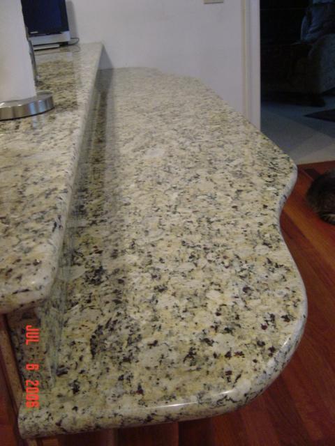 The lowered granite breakfast bar