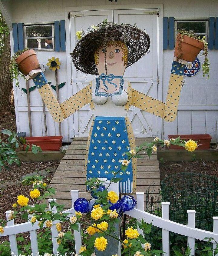 Garden Lady built from scrap lumber! http://www.hometalk.com/490352/garden-lady