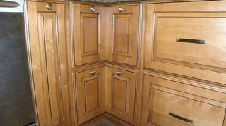 q knob or pull which one should i use, kitchen cabinets, Corner cabinet with knobs installed