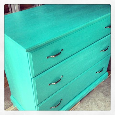 I am loving this aqua colour and have done several pieces in this shade...