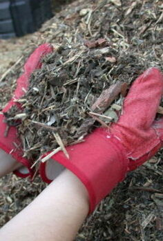 mulch it cover crops for organic gardens, gardening, Organic mulch for your garden takes many forms