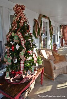 christmas on the front porch, christmas decorations, porches, seasonal holiday decor, Porch tree