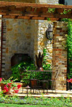 12 landscaping tips to create a perfect outdoor ambience