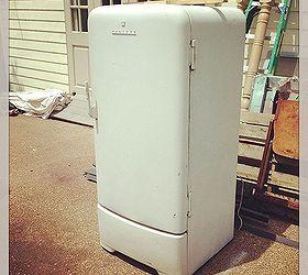 1950 s retro fridge makeover appliances diy home decor painting repurposing 1950 u0027s retro fridge makeover   hometalk  rh   hometalk com